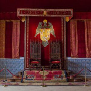trono del alcazar de segovia