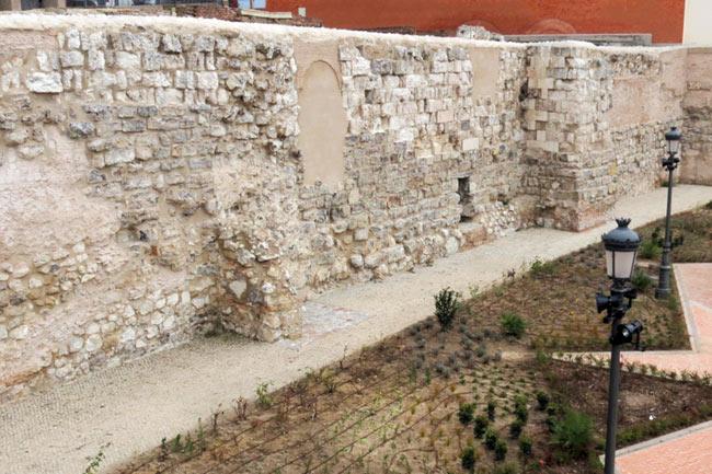 que visitar en madrid antigua muralla musulmana de madrid