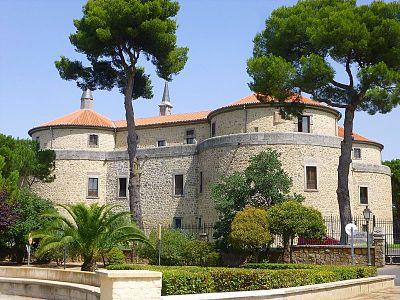 castillo villaviciosa de odon